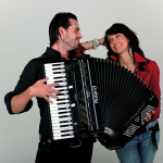 How to play an accordion – accordion course for beginners uncovers step-by-step guides on playing accordion