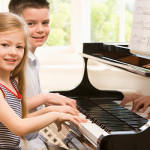 12 core tips on how to play piano for beginners will turn you into a professional pianist in weeks