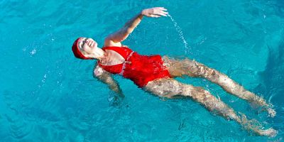 benefits of swimming with lift mood aand increase self-esteem