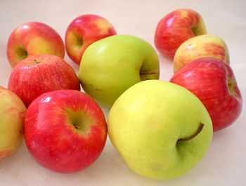 healthiest fruits and vegetables with apple