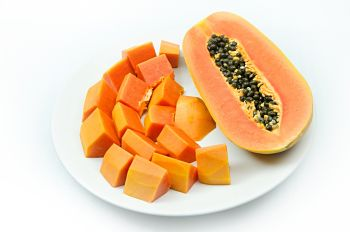 healthiest fruits and vegetables with papaya