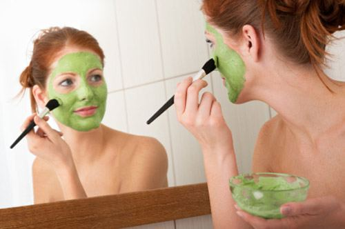benefits of cucumber make an anti-blemish facial mask