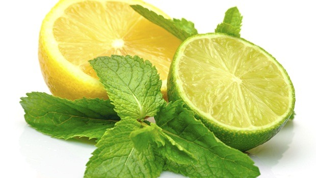 treating food poisoning - lemon