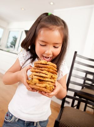 limit eating cookies and chips in toddlers