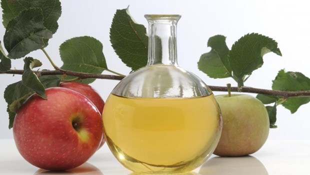 how to treat heartburn - apple cider vinegar