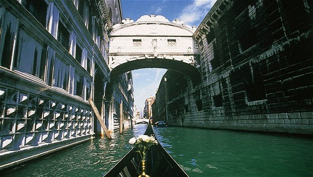 bridge of sighs review