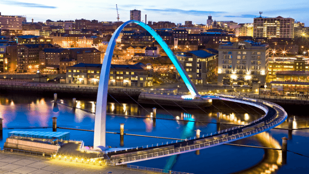 gateshead millennium bridge review