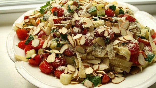 pasta with zucchini and toasted almonds download