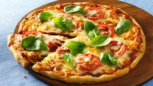 tomato-mozzarella pizza download