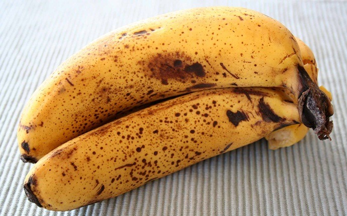 how to get younger looking hands - overripe bananas