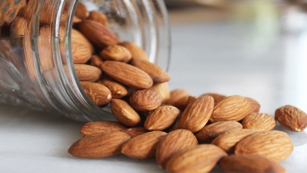 biotin rich foods-almonds