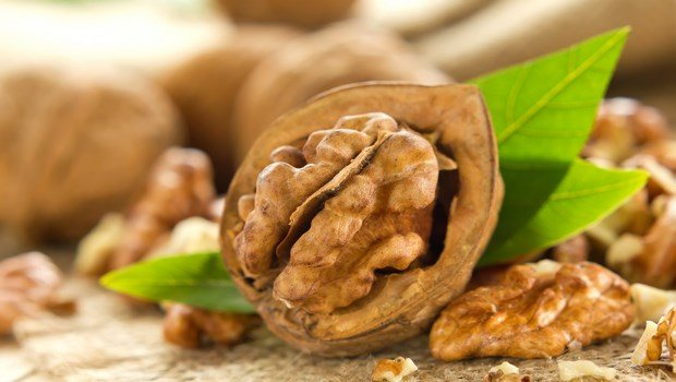 biotin rich foods-walnut