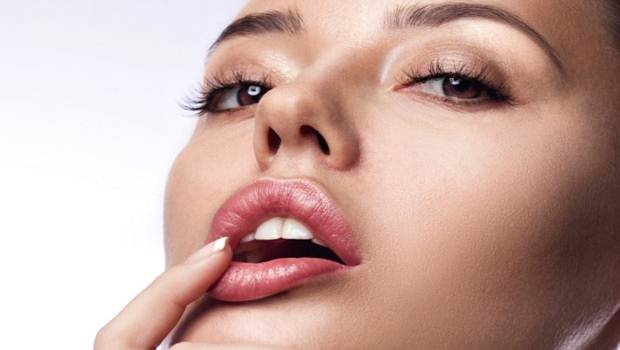 how to get plump lips
