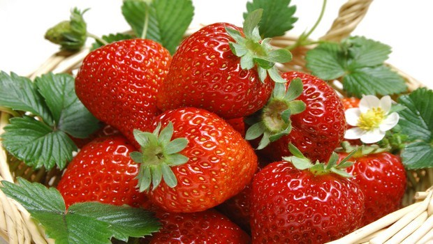 benefits of strawberry-increase the fiber consumption