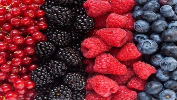 foods for muscle recovery-berries