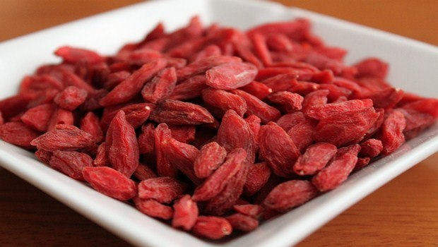 foods for muscle recovery-goji berries