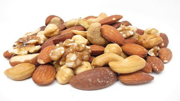 foods for muscle recovery-mixed nuts