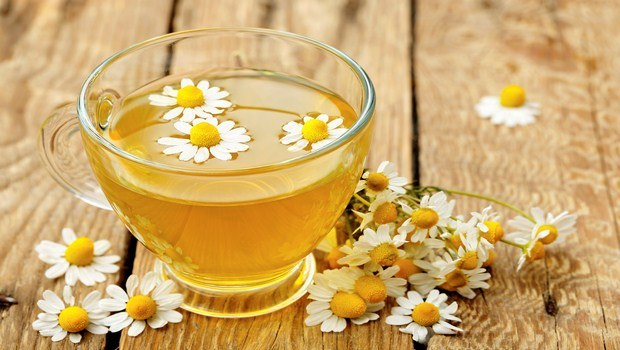 home remedies for Sneezing-chamomile tea