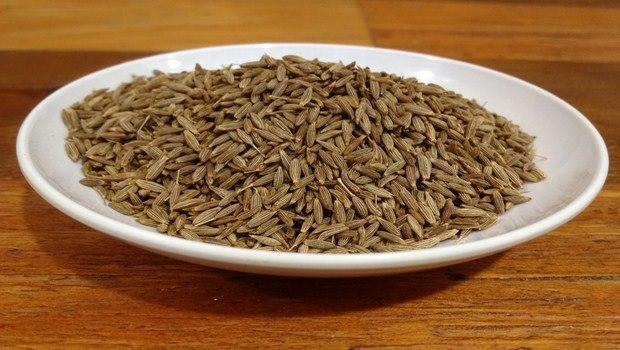 home remedies for bloated stomach-caraway seeds