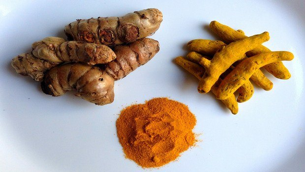 home remedies for foot blisters-turmeric