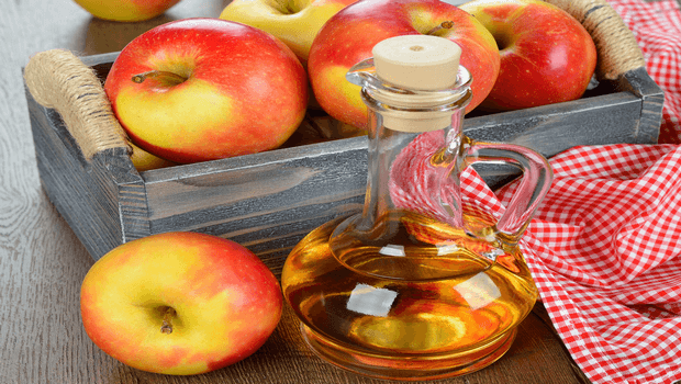 home remedies for foot fungus-apple cider vinegar