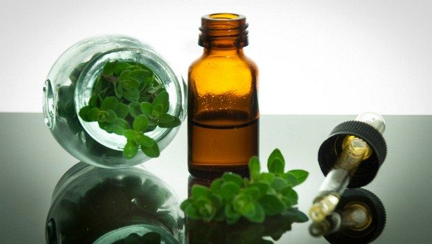 home remedies for foot fungus-oregano oil