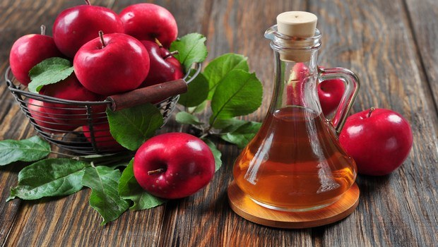 home remedies for red face-apple cider vinegar