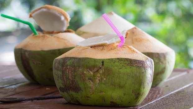 home remedies to reduce body heat-coconut water