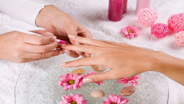 how to heal cracked fingertips-exfoliate your hands