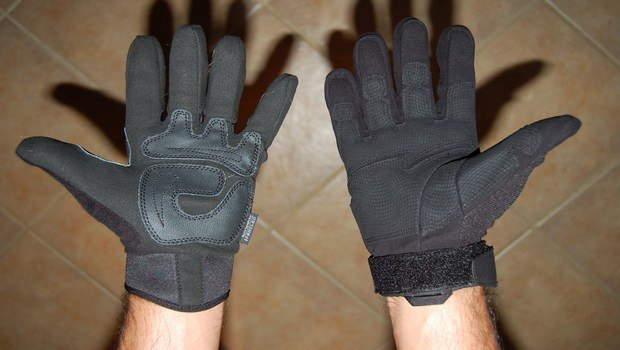 how to heal cracked fingertips-wear gloves