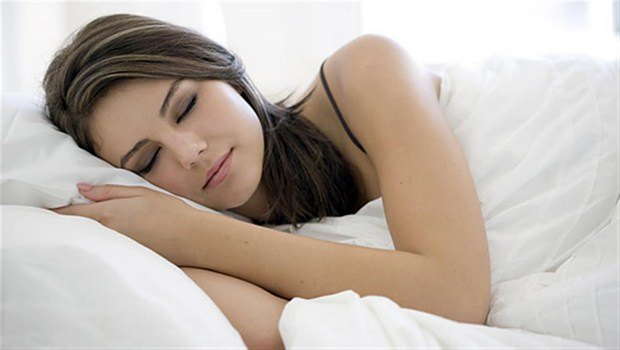how to prevent a migraine-have a regular schedule of eating and sleeping