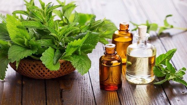 how to stop sneezing-peppermint oil