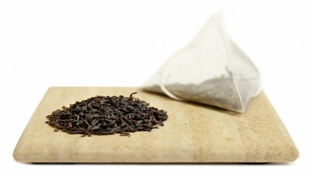 how to treat burns on hand-black tea bags