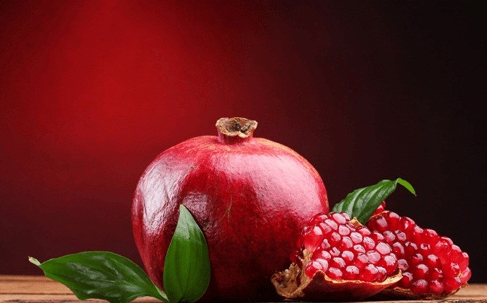home remedies to reduce body heat - pomegranate