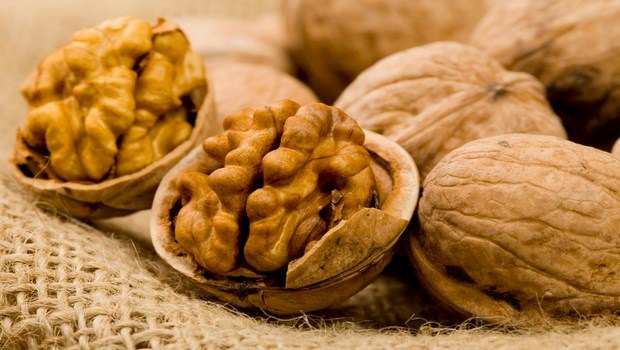 foods to prevent cancer-walnuts