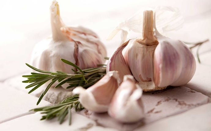 how to get rid of phlegm in throat - garlic