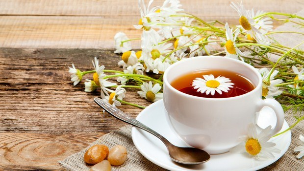 how to cure eye strain-chamomile tea