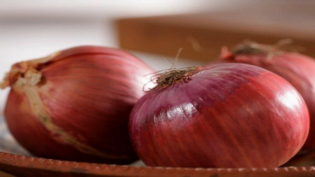 how to get rid of phlegm in throat-onion