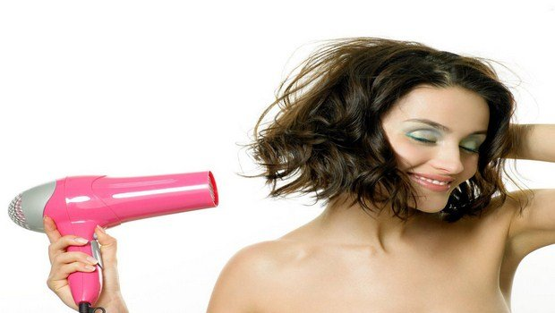 how to maintain curly hair-dont use hair-dryer with too high heat