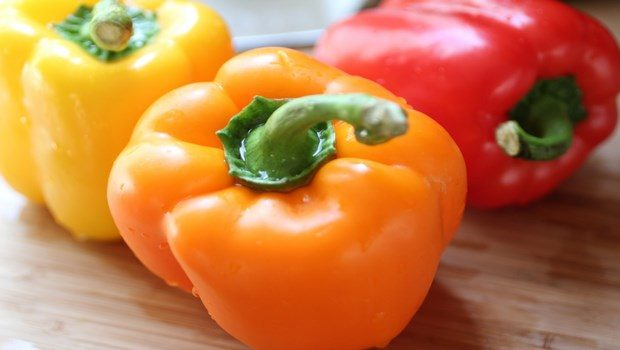 how to prevent cataracts-orange bell peppers