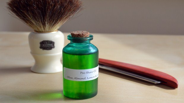 how to prevent razor burn-use a shaving oil