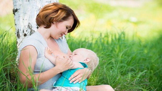 how to treat diaper rash-try breast milk home remedy
