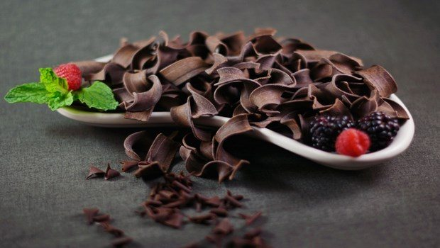 foods to improve memory-dark chocolate
