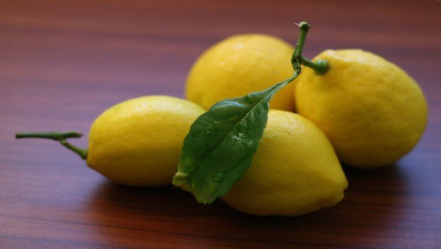 home remedies for wheezing-lemons