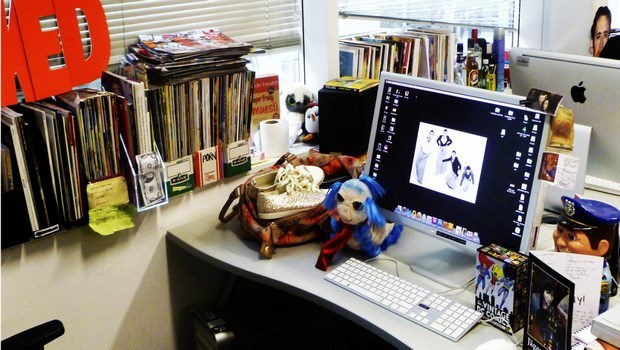 how to declutter your life-start with your desk