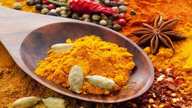 how to treat chest pain-turmeric