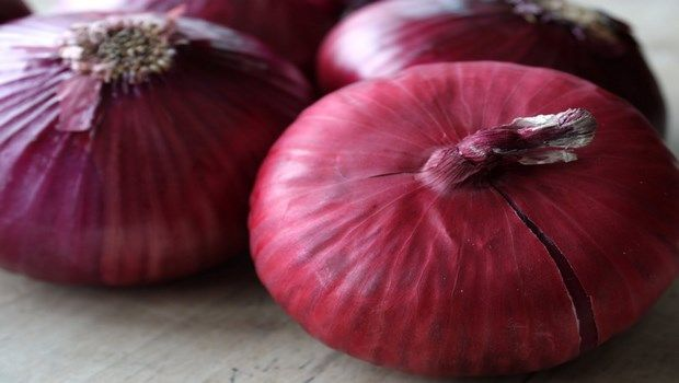 how to treat colds-red onion