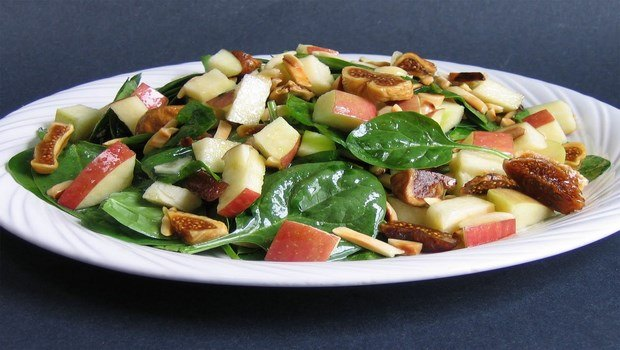 low fat recipes-salad apple salad with almonds and figs