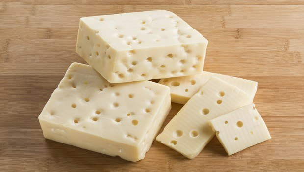 foods that fight cellulite-aged cheese