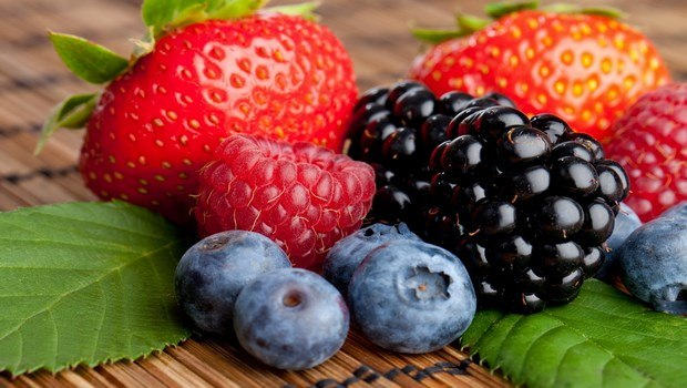 foods to reduce high blood pressure-berries